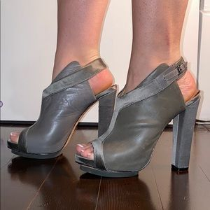 L.A.M.B open toed sling back shoes